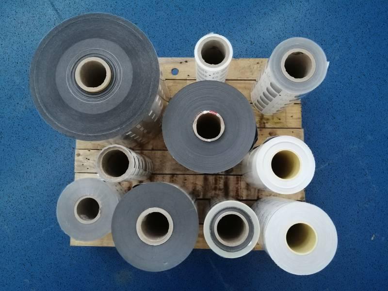 Suministro de material plástico